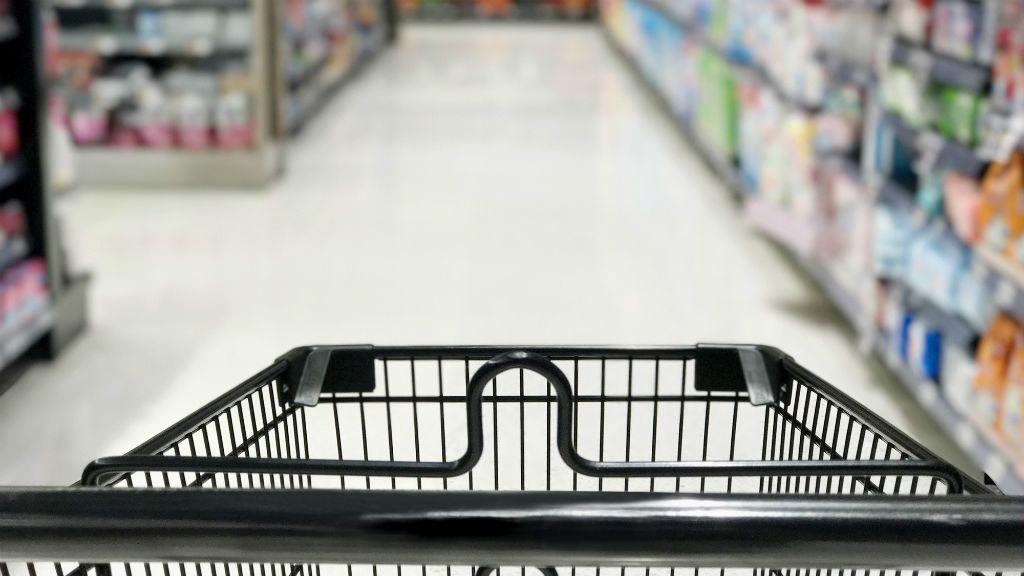 vásárlás bevásárlókocsi szupermarket élelmiszerbolt