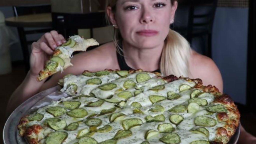 pizza kovászos uborka gasztrotrend