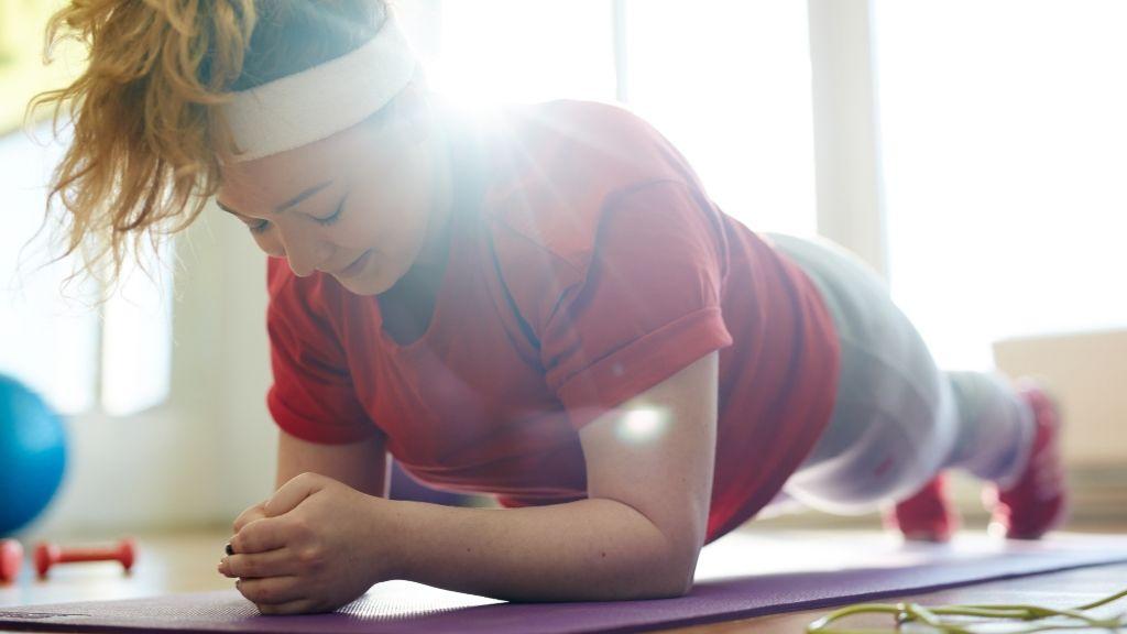 tulsúly mozgás edzőruha nike
