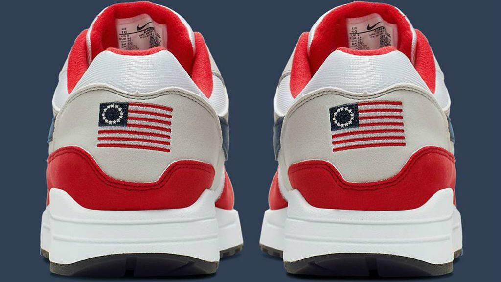 Nike Betsy Ross Flag