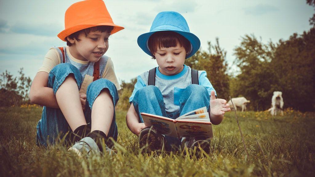könyvek, kötelező olvasmány, újramesélt regények