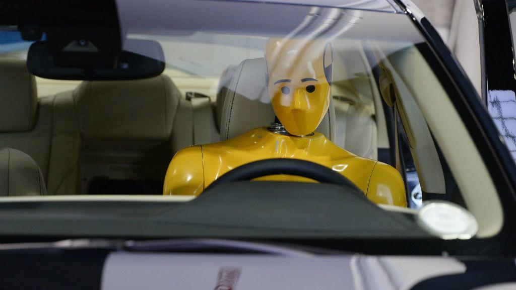 autó biztonság tesztbábu