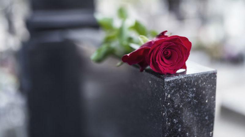 sír temető halál