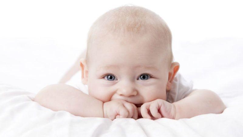 baba csecsemő gyerek