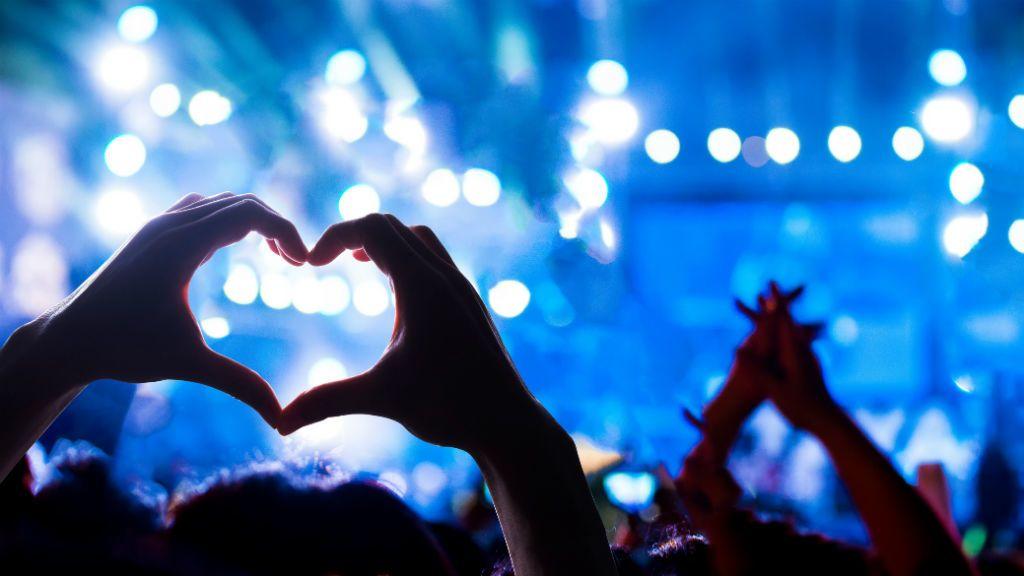 koncert közönség zene fesztivál