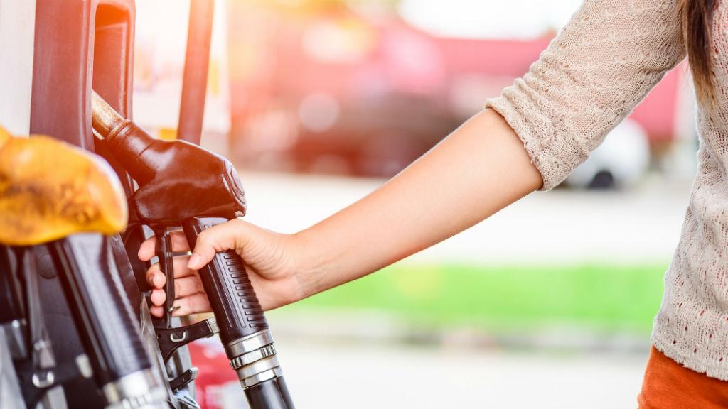 benzinkút tankolás üzemanyag