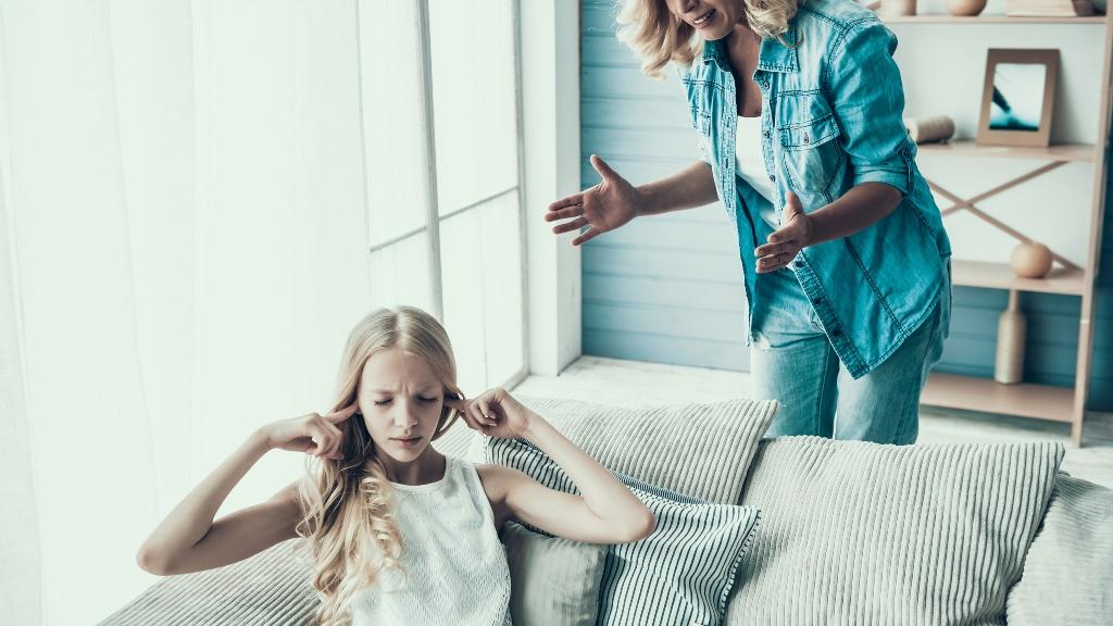 tini gyereknevelés szülő
