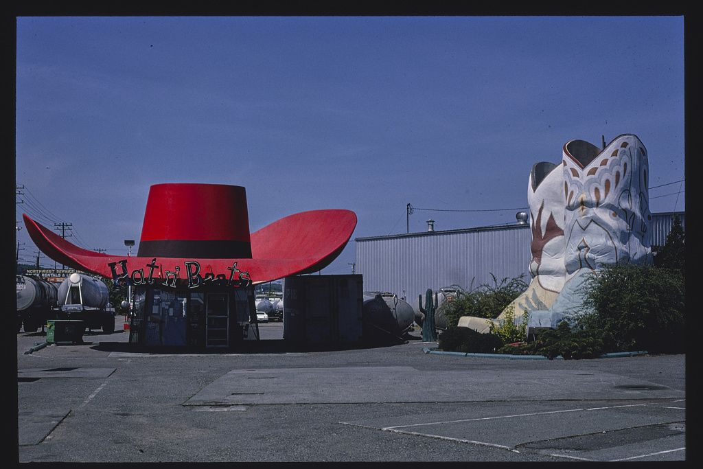 Hat n' Boots benzinkút, Route 99, Seattle, Washington, 1980