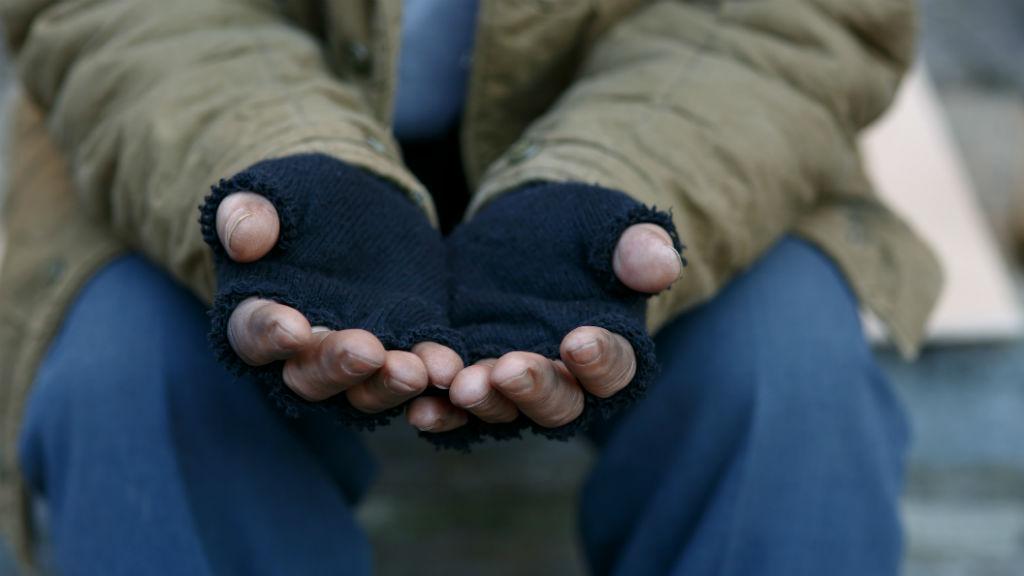koldus koldulás hajléktalan
