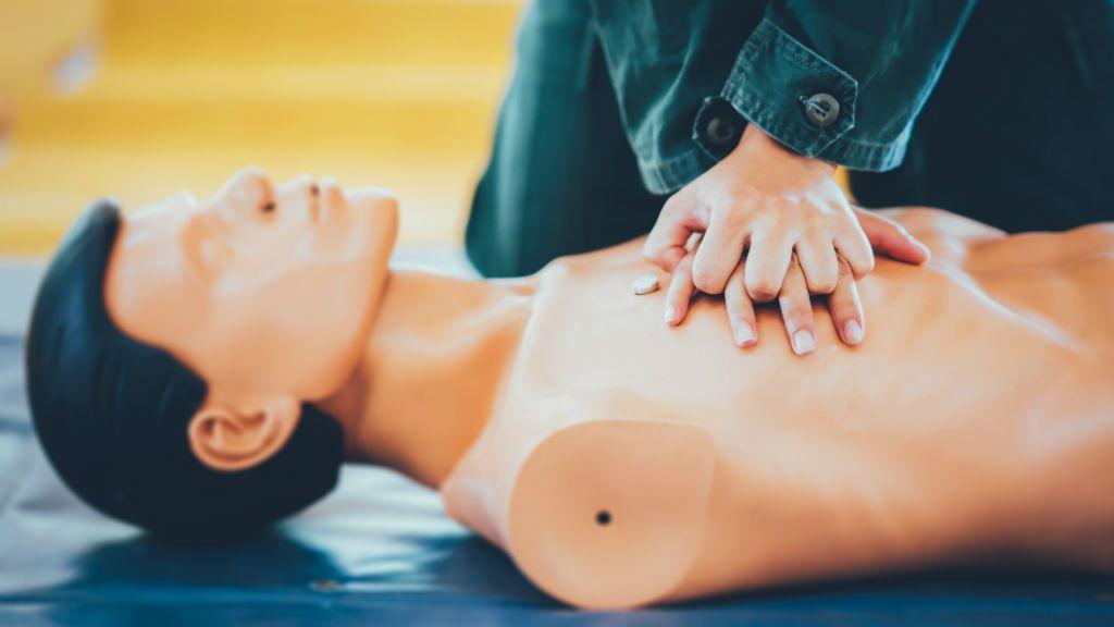 újraélesztés CPR