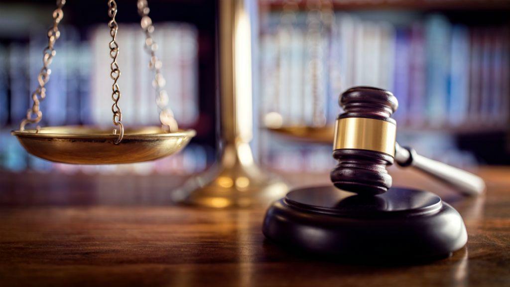 bíróság per ítélet
