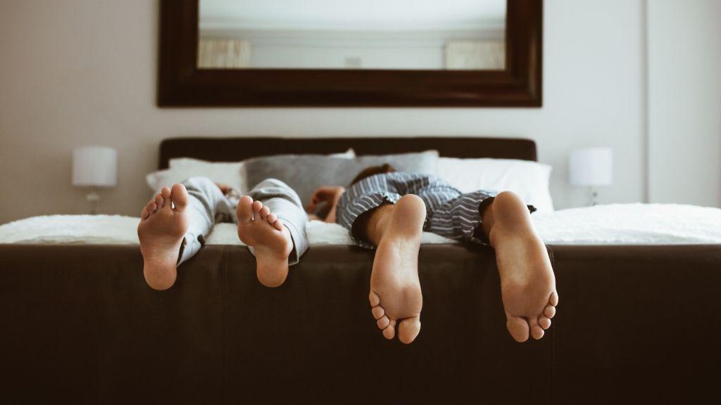 párkapcsolat külön alvás