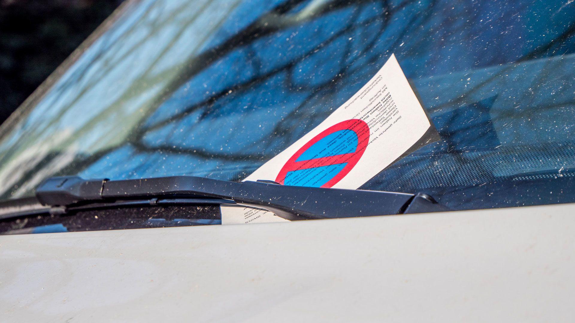 pécs évnyitó parkolás bírság büntetés