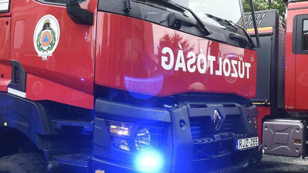 Nagy erőkkel vonultak a helyszínre a tűzoltók (képünk illusztráció)