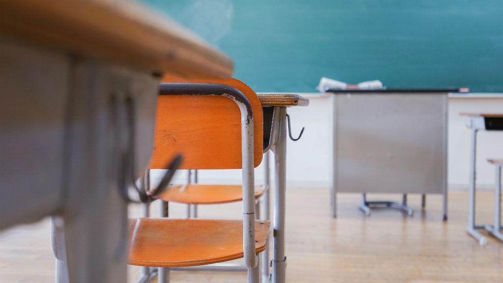 iskola oktatás osztályterem