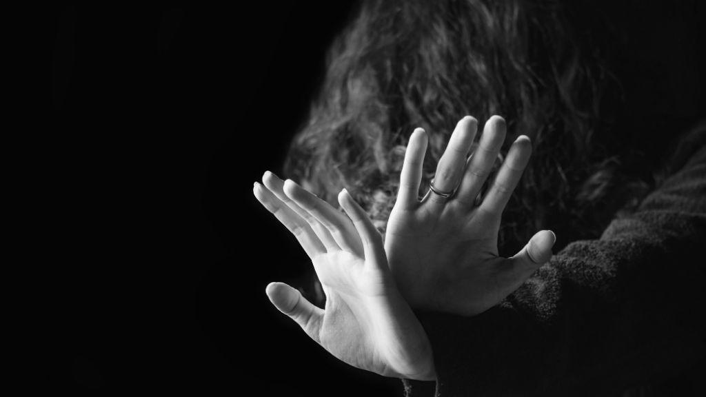 bántalmazás családon belüli erőszak