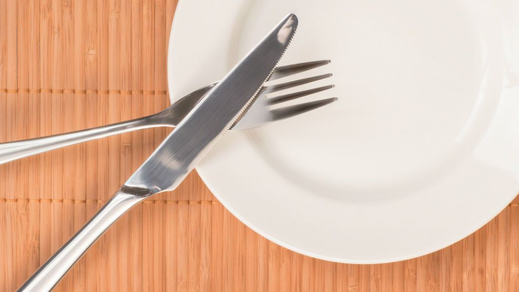 étterem tányér étkezés