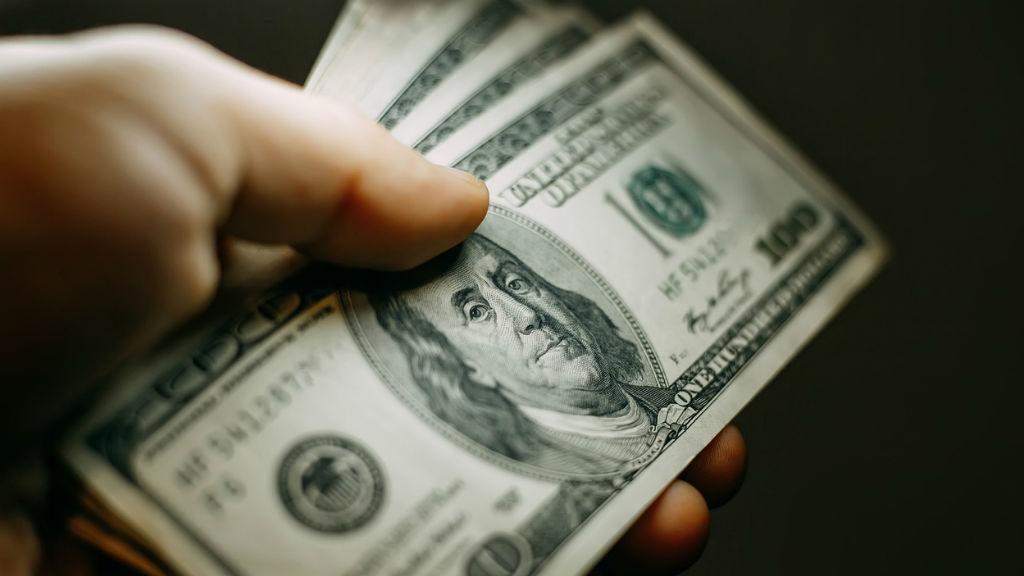 pénz dollár
