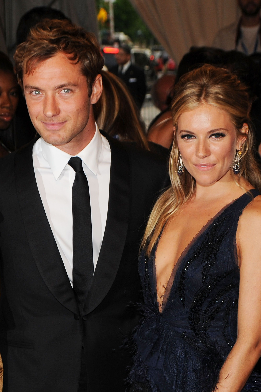 Jude Law és Sienna Miller - Fotó: Getty Images