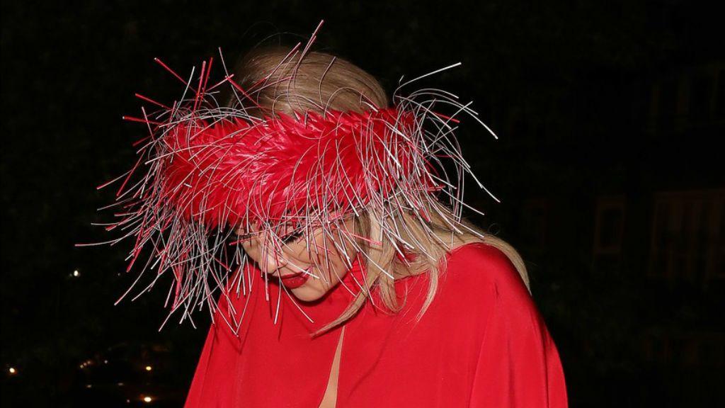 Rita Ora villantás