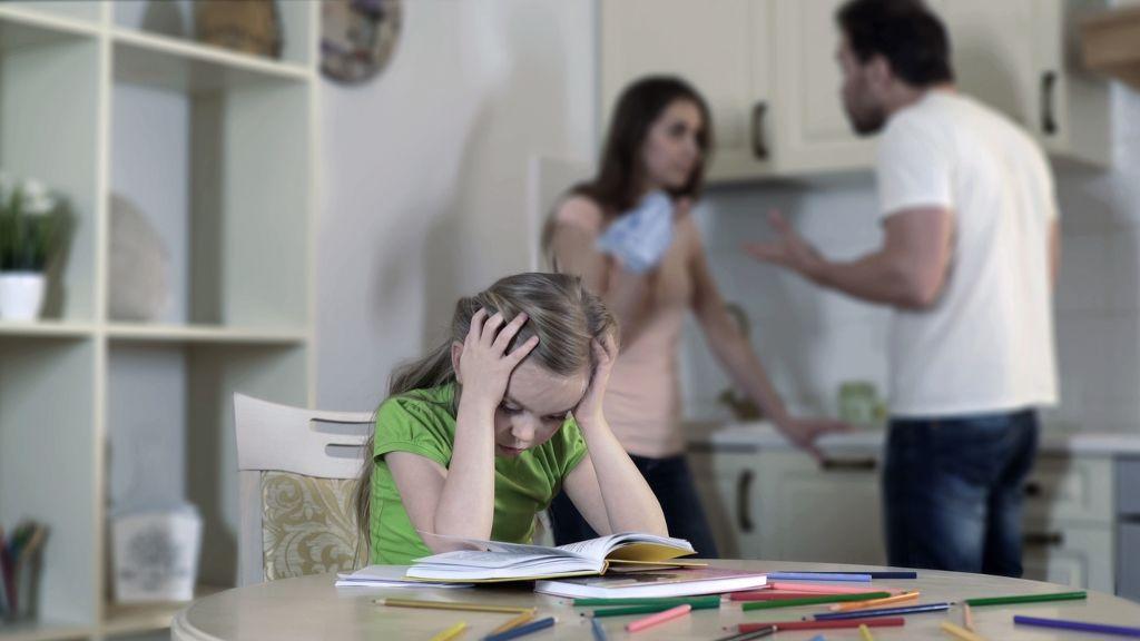 válás szülők gyereknevelés