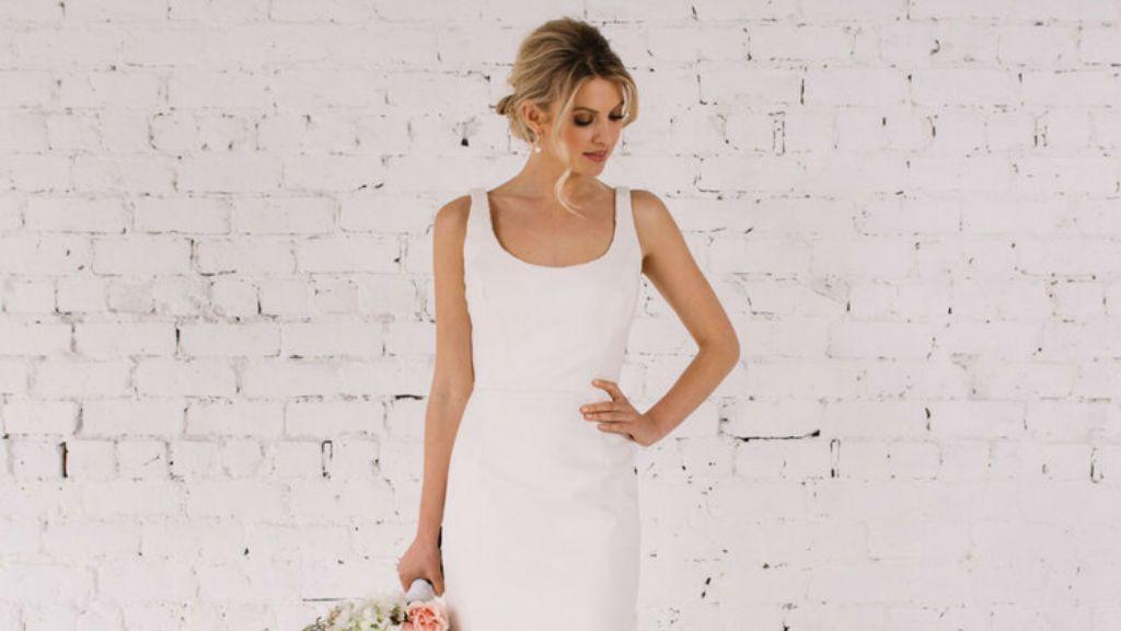 kifordítható menyasszonyi ruha