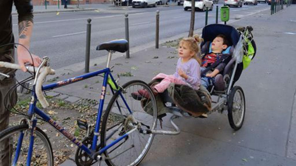 sérült gyerek lopott bicikli