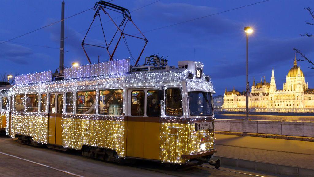 Budapest villamos karácsony közlekedés