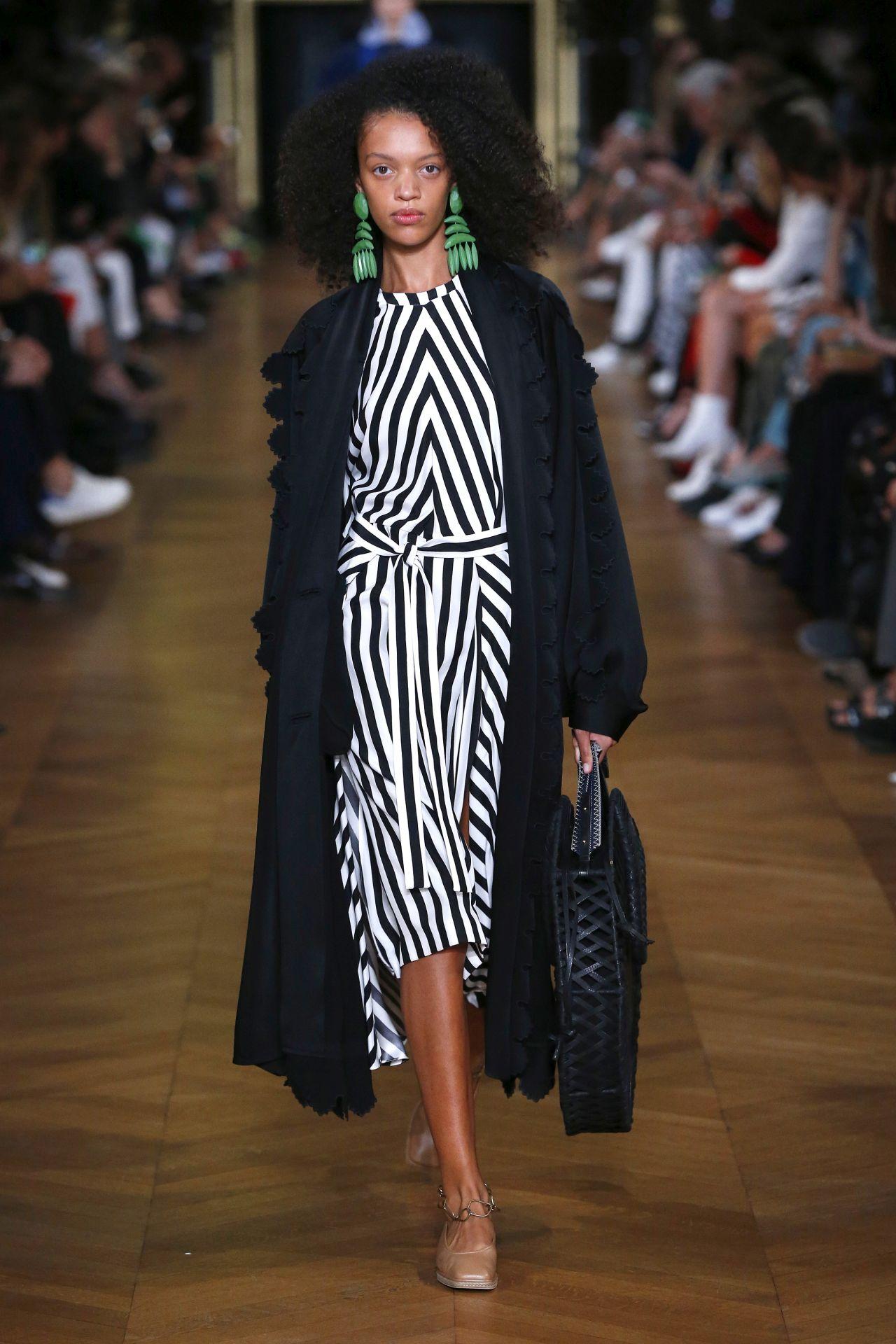 Női cipő 2019 2020: divat trendek és trendek, fotók > Divat