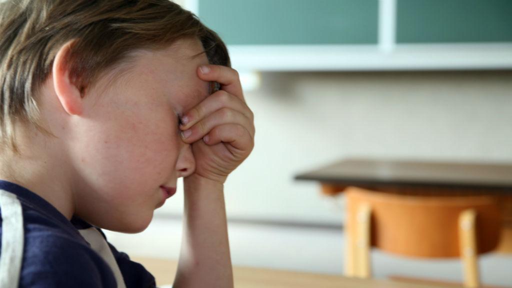fáradt diák gyerek iskola