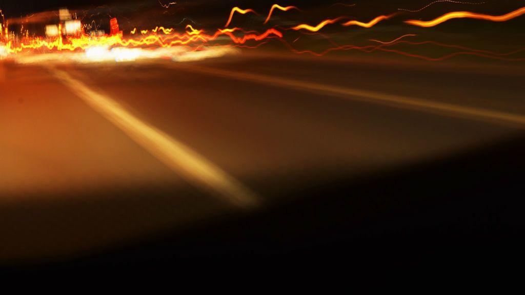 út sötét éjszaka vezetés