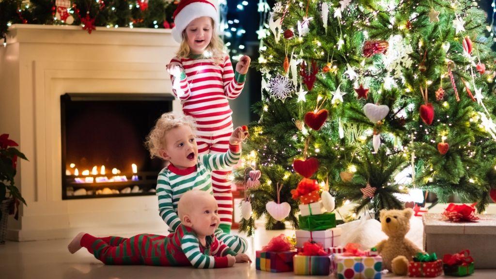 karácsony ajándékozás gyerek