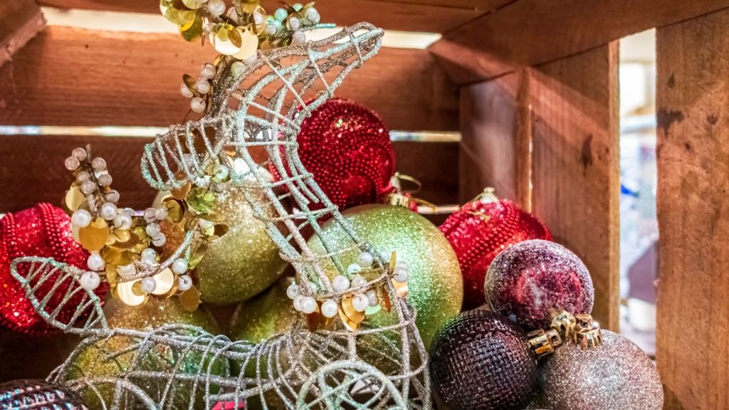 karácsonyi díszek tárolás trükk