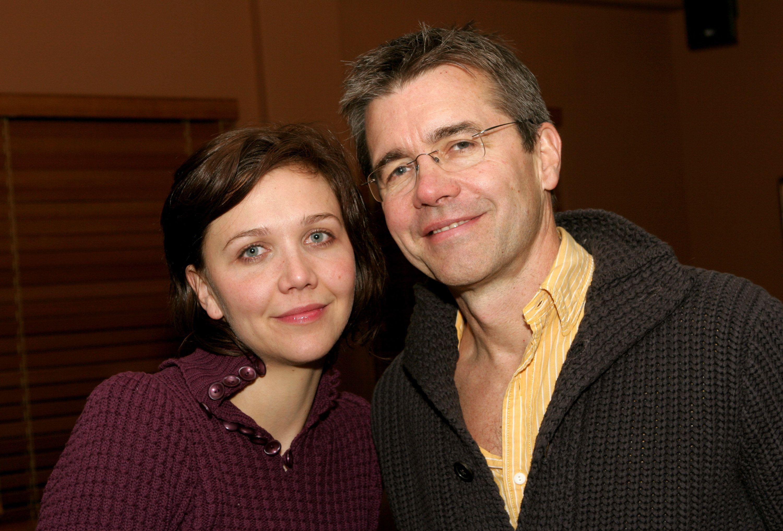 maggie Gyllenhaal édesapjával még 2005-ben