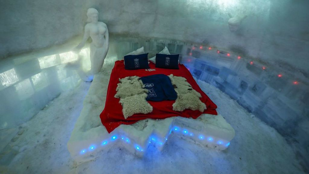 jéghotel románia