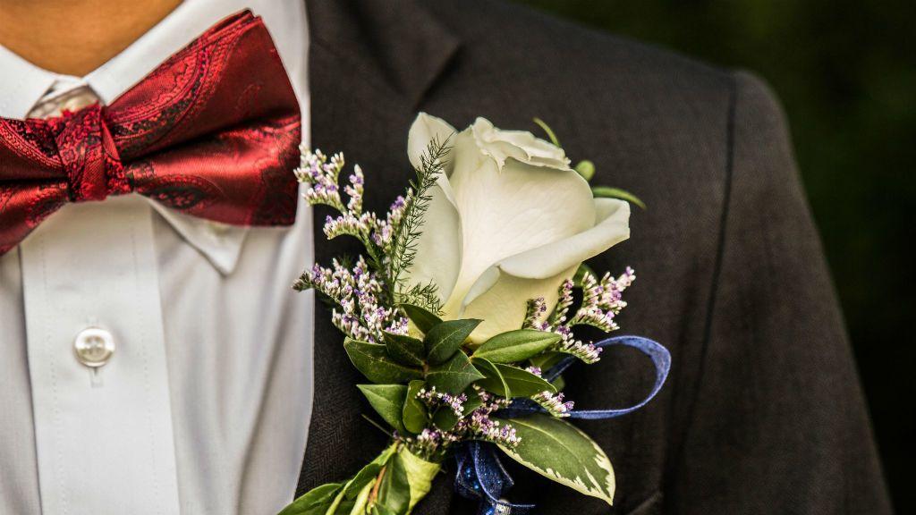 vőlegény házasság esküvő