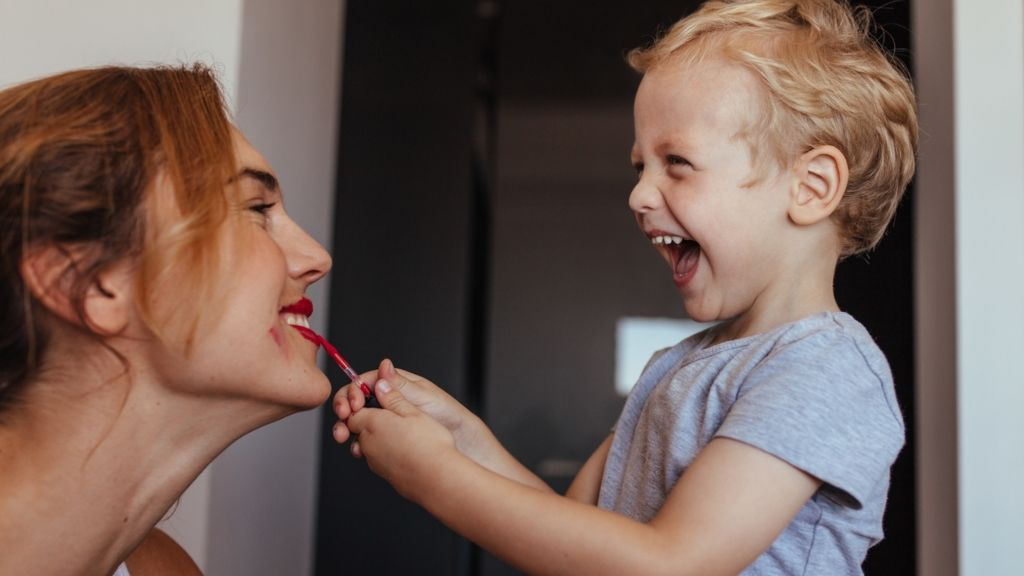 gyerek smink gyereknevelés