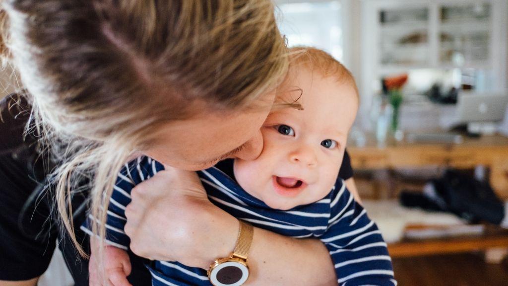 gyerekvállalás anyaság szülők