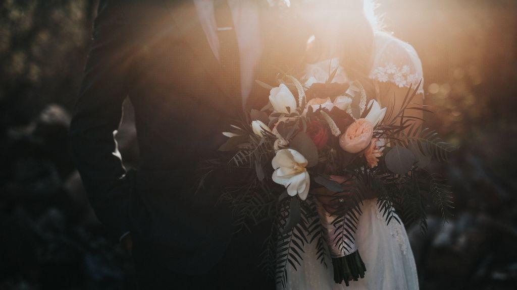 házasság fiatalon esküvő