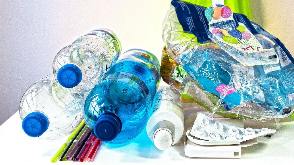 műanyag csomagolás szemét