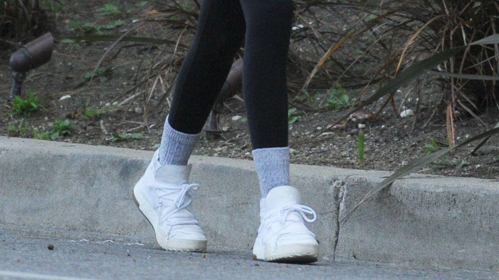 Kaia Gerber leggings