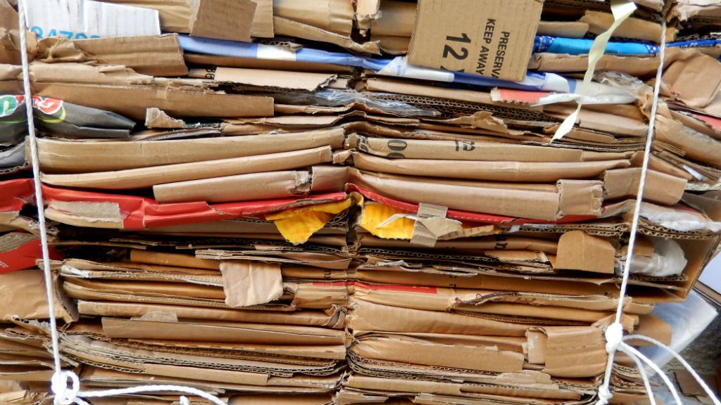 papírgyűjtés karton újrahasznosítás szelektív