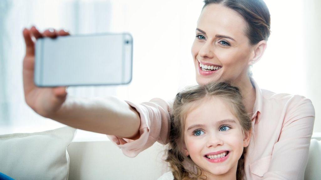 gyerek anya közösségi oldal