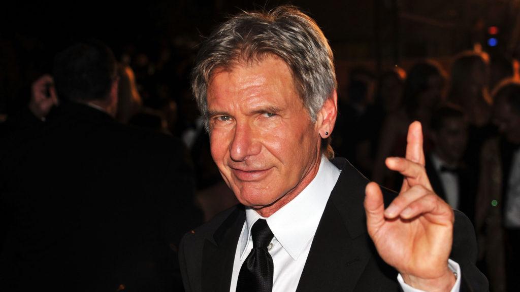 Harrison Ford cuki kiskutyákkal promózza új filmét
