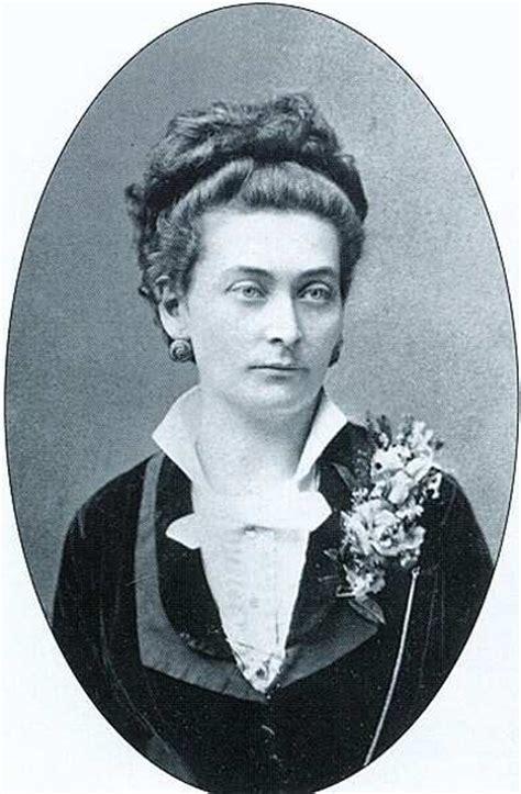 Hugonnai Vilma 1890 körül (forrás. Wikipedia)