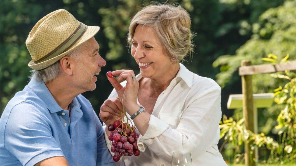 idősek nyugdíjas pár