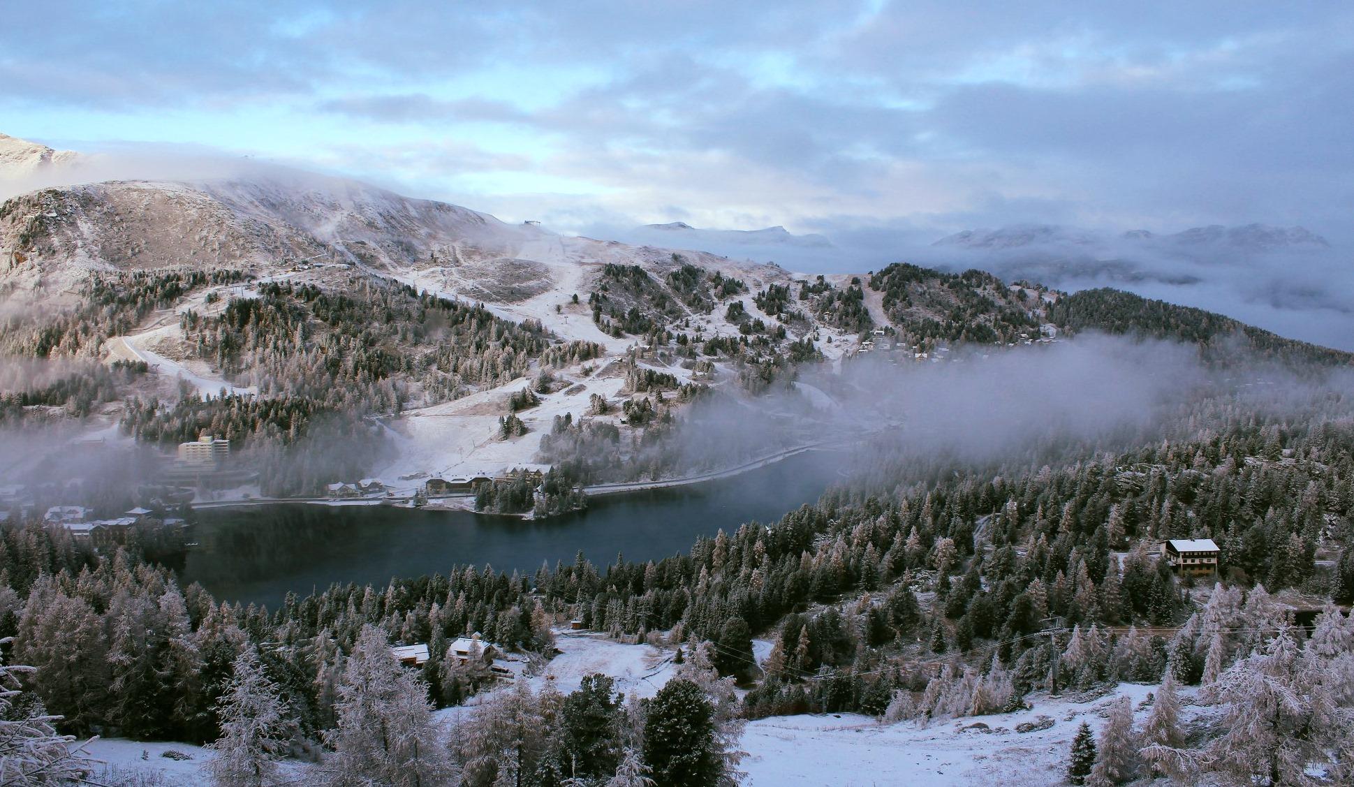 A Turrachi-tó a pályákról nézve. Novemberi fotó, december végére már jégtakaró fedte a tavat. / Fotó: Turracher Höhe Facebook