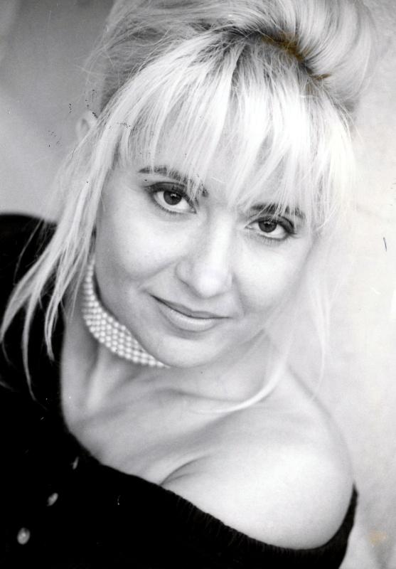 Zoltán Erika énekesnő 5