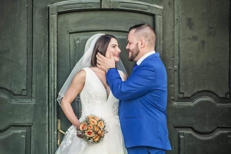 Terhesen az esküvőn