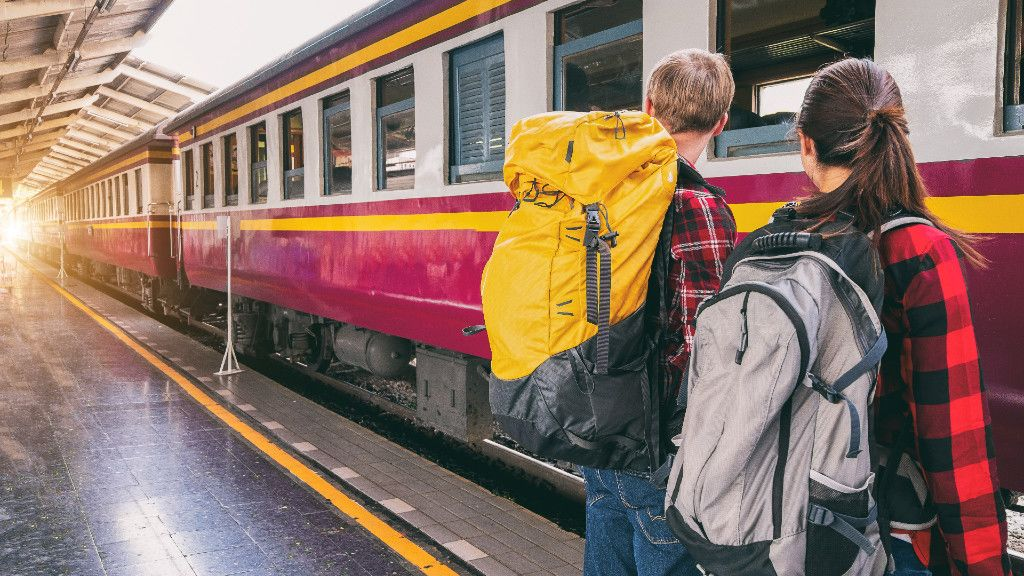 vonat, pályaudvar